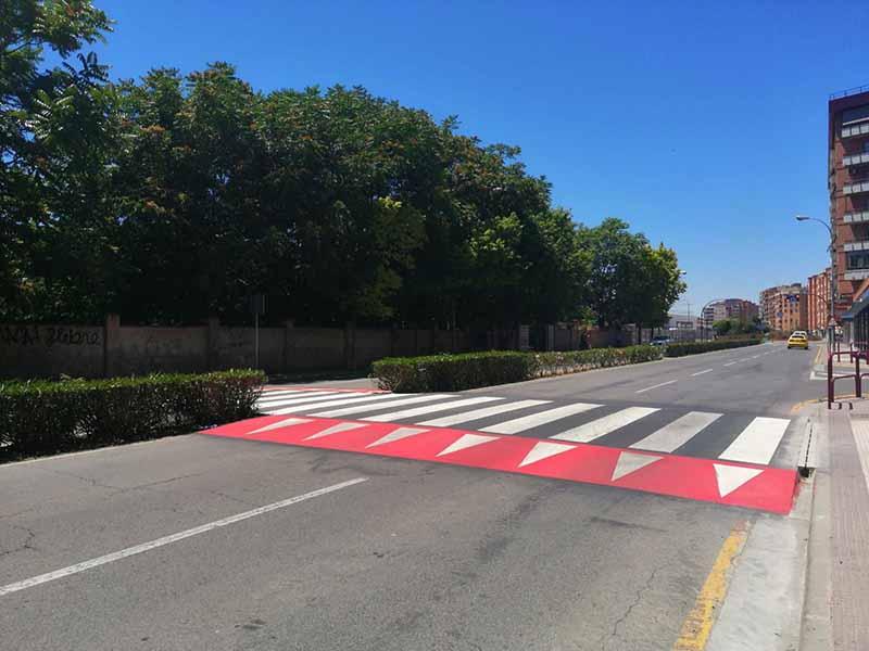 Nuevo paso de peatones en Avenida de Lobete
